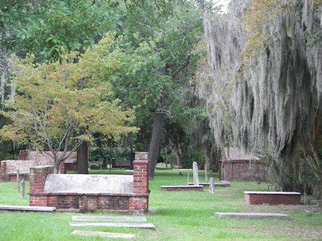 Colonial Park Cemetery in Historic Savannah